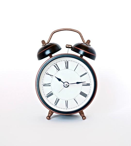 Đồng hồ báo thức cổ điển